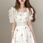 裙子年新款夏天甜美重工刺繡顯瘦方領鏤空收腰泡泡袖連身裙女 韓美e站