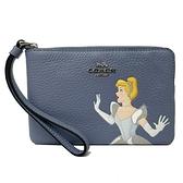 【COACH】Disney聯名款迪士尼公主系列手拿零錢包(藍)