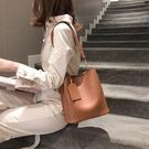 上新女包春新款潮韓版子母水桶包簡約斜背包百搭手提包單肩包