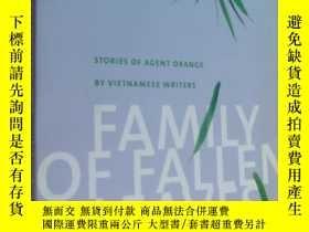 二手書博民逛書店FAMILY罕見OF FALLEN LEAVES:Stories