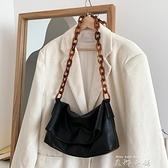 韩国小众设计新款时尚亚克力单肩腋下包软袋ins秋冬百搭斜跨女包 米娜小鋪