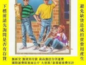 二手書博民逛書店The罕見Mystery of the Wrong Dog: Three Cousins Detective Cl
