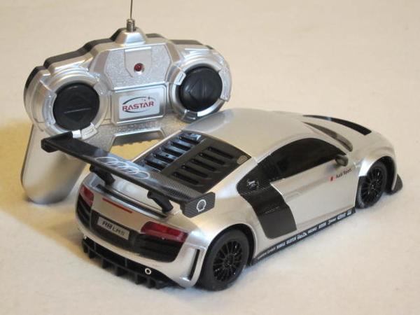【KENTIM玩具城】1:24(1/24)全新原裝奧迪AUDI R8 LMS空力版賽車原廠授權RASTAR遙控車