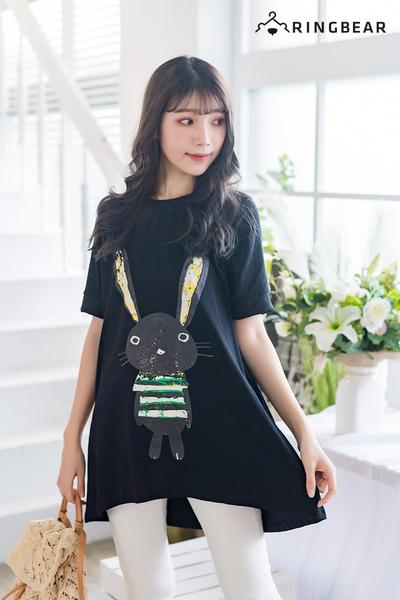 休閒上衣--時尚舒適兔子印花寬鬆A字修身圓領短袖長版上衣(黑.紅XL-5L)-U525眼圈熊中大尺碼