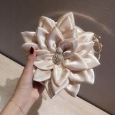 花瓣包晚宴包凱蒂熊代購-女手包斜挎包甜美可愛風水鉆手環包立體花朵