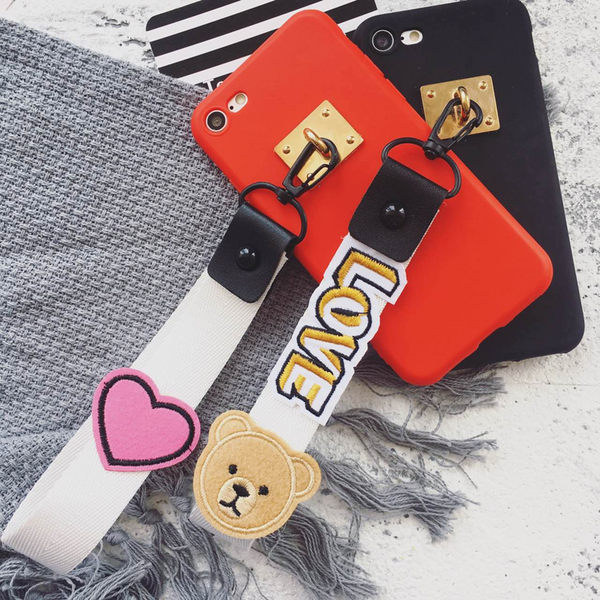 愛心熊手帶 iPhone5/5SE/ iPhone7/7plus/ iPhone6/6plus/iphone 8/8plus/ iPhone X手機套 手機殼 軟套