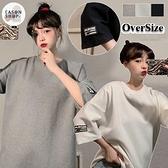 EASON SHOP(GQ1557)實拍袖子字母LOGO拼接落肩寬鬆大尺碼圓領短袖素色棉T恤女上衣服寬版OVERSIZE