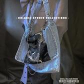 牛仔包 NOLABEL 原創小眾龍紋牛仔拼接鍊條設計感老爹風包包國潮復古男包 萊俐亞