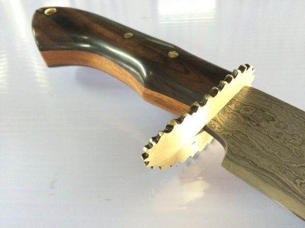 郭常喜與興達刀鋪-藝術獵刀(A0285)黑檀+花梨木刀柄、手工銅雕護手