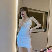 熱賣吊帶連身裙 白色性感褶皺緊身吊帶連身裙女2021春季新款修身顯瘦包臀裙子女裝 coco