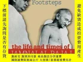 二手書博民逛書店In罕見Gandhi s Footsteps: The Life