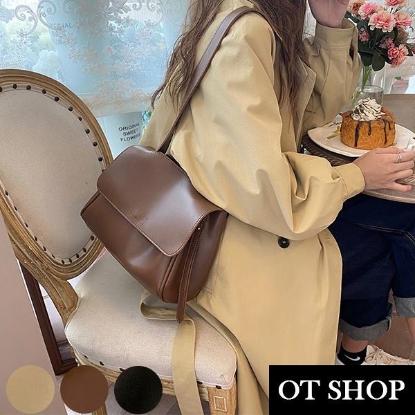 OT SHOP [現貨] 側肩背 斜肩背 斜胯 小方包 翻蓋 復古純色質感皮革 氣質穿搭配件 黑/咖啡/卡其 H2091