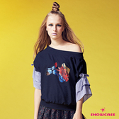 【SHOWCASE】慵懶一字領三色玫瑰造型袖上衣(藍)