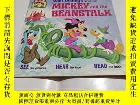 二手書博民逛書店WAIT罕見DISNEY S STORY OF MICKEY AND THE BEANSTALKY9212