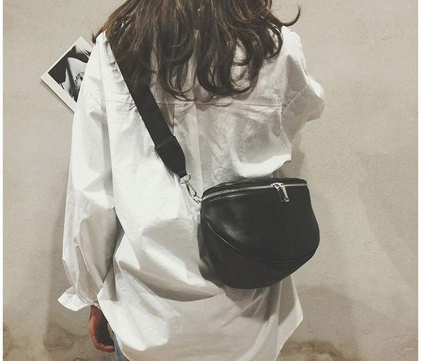 [現貨] 包包 側肩背 斜肩背 腰包 胸包 復古文青黑色質感皮革 H2009 OT SHOP