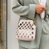 編織包 2019小包包時尚斜跨包個性洋氣鏤空洋氣菱格鏈條斜跨單肩貝殼包女
