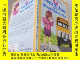 二手書博民逛書店junie罕見B. Jones and the stupid smelly bus junie B. Jones和