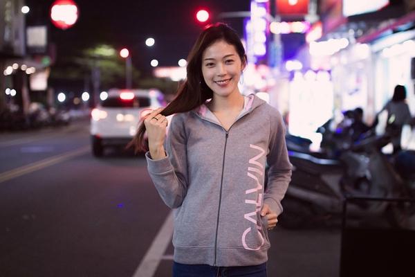 【蟹老闆】Calvin Klein CK 女童外套 側粉LOGO 灰色