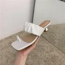 蕾拉 小輕熟風套趾一字細跟拖鞋女外穿2020夏季新款時尚低跟涼拖