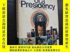 二手書博民逛書店The罕見end of a presidency (With 6