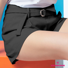 【SHOWCASE】俏麗前褶雙口袋腰反褶寬口短褲(黑)