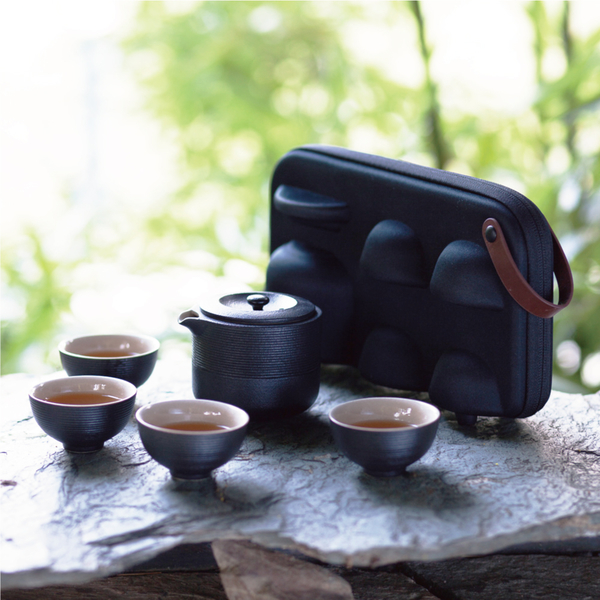 陸寶茶器 紅點旋紋攜行裝 一壺四杯