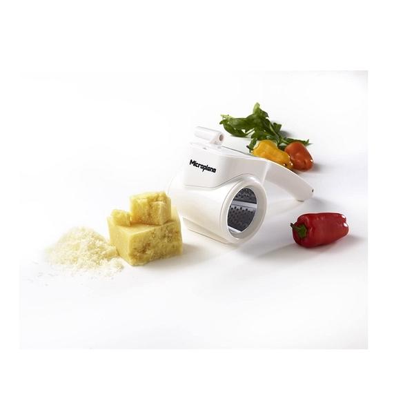 白色 Microplane 39304 Rotary Cheese Grater 手動旋轉式不銹鋼乳酪研磨器 [2美國直購] _ii23