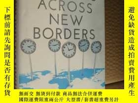 二手書博民逛書店LEADING罕見ACROSS NEW BORDERS:how