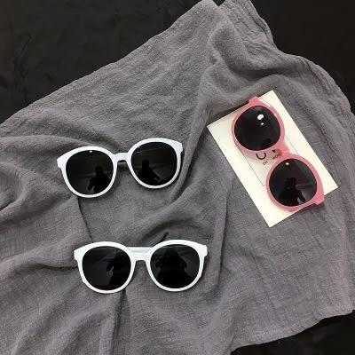 正韓ulzzang原宿墨鏡女復古圓框太陽鏡米白色邊框修臉果凍粉眼鏡