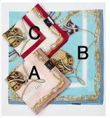 【京之物語】日本製DAKS麻紗材質經典皮革邊框女性絲巾(手帕)-粉色/桃粉色/藍色