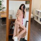 碎花連衣裙夏 溫柔風碎花連衣裙女2021夏季韓版新款不規則側開叉V領荷葉邊長裙 設計師