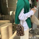 豹紋包包女單肩包水桶包斜背小包毛絨絨個性百搭港風ins抽帶小包 千惠衣屋