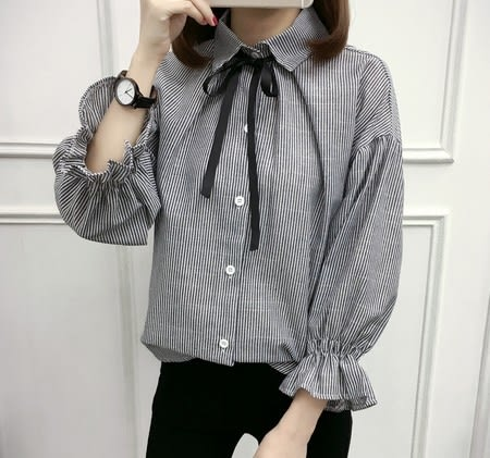 EASON SHOP(GU5495)綁帶蝴蝶結領帶寬鬆喇叭袖條紋長袖襯衫女上衣服韓版落肩七分袖黑色藍色荷葉邊