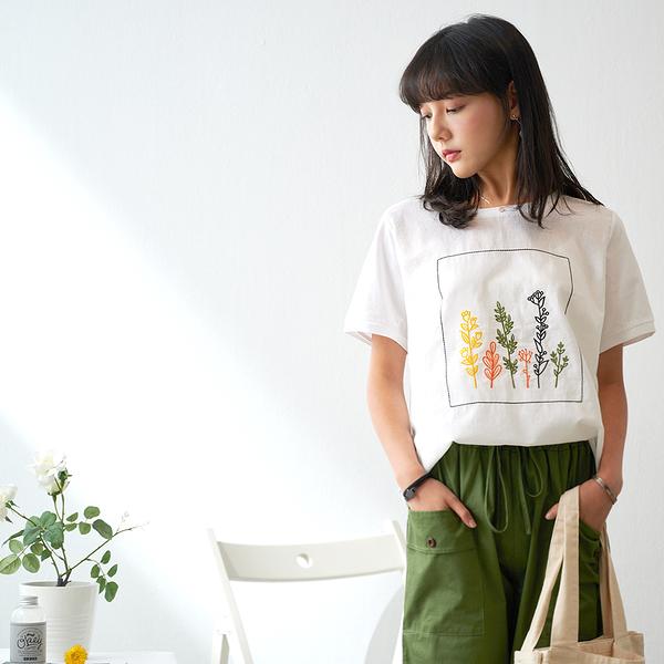 【慢。生活】花藝刺繡棉麻拼接上衣 9918 FREE白色