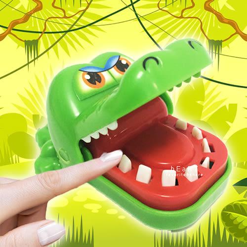 整人玩具咬手牙齒鱷魚吊飾 瘋狂鱷魚 拔牙 多人遊戲