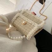 ins超火包包女新款韓版時尚珍珠手提百搭鍊條側背斜背小方包  伊羅鞋包