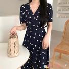 短袖洋裝 韓國浪漫季溫柔V領顯瘦小雛菊印花綁帶收腰短袖連身裙長裙女 愛丫 免運