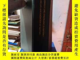 二手書博民逛書店Corpuscles罕見and radiation in mat