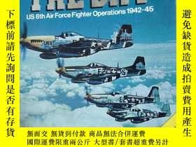 二手書博民逛書店Lion罕見in the Sky: US 8th Air For