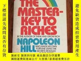 二手書博民逛書店The罕見Master-Key to Riches: The W
