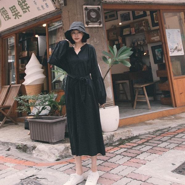 Queen Shop【01085073】袖剪接蓬袖棉麻長洋裝附綁帶 三色售*現+預*