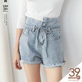 短褲 不對稱腰頭雙釦破損鬚邊綁帶高腰牛仔褲M~XL號-BAi白媽媽【160756】