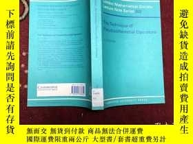 二手書博民逛書店The罕見technique of pseudo differe