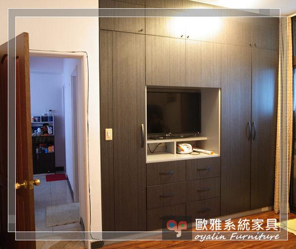 【系統家具】系統家具 系統收納櫃 小孩房設計 深色木紋主臥衣櫃 多功能收納櫃