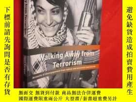 二手書博民逛書店Walking罕見Away from Terrorism: Ac