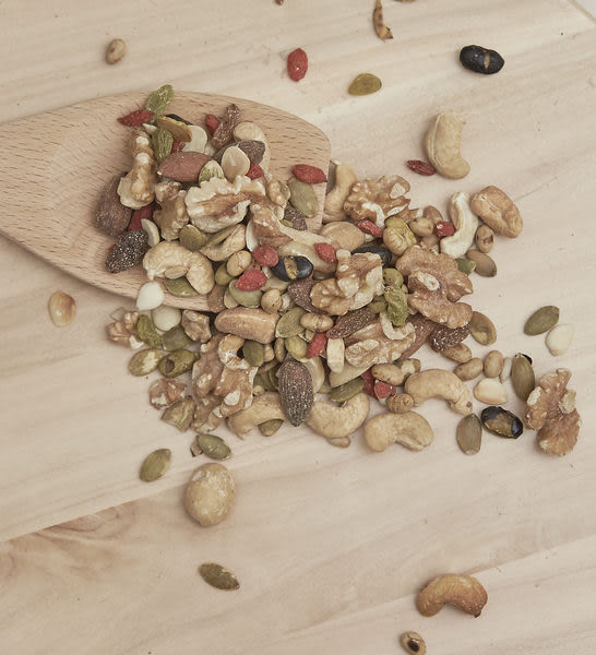 五穀綜合果仁 內含多種堅果和豆類 補充體內營養素 冰冰的吃更好吃