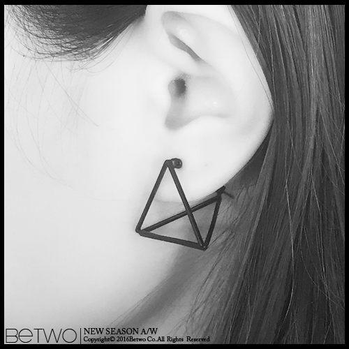 彼兔 betwo.耳環 QDB*個性銅鑄幾何拼接鏤空三角型一對2入耳針式耳環【841-AF64】06030085現貨