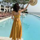 VK精品服飾 韓系波點露背吊帶超仙海邊無袖洋裝