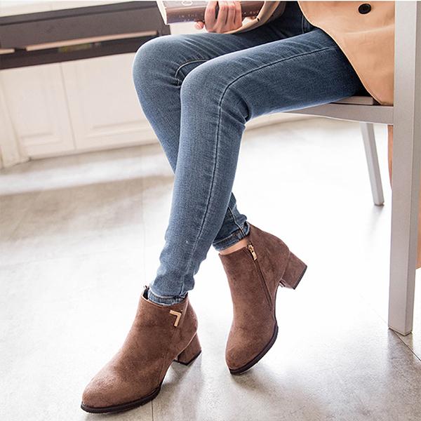MIUSTAR 方尖頭剪裁側拉鍊麂皮短靴(共2色,36-40)【NG0963ZP】預購
