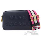 【新進品牌 獨家價】MARC JACOBS 馬克賈伯 立體LOGO牛皮斜背相機包.深藍